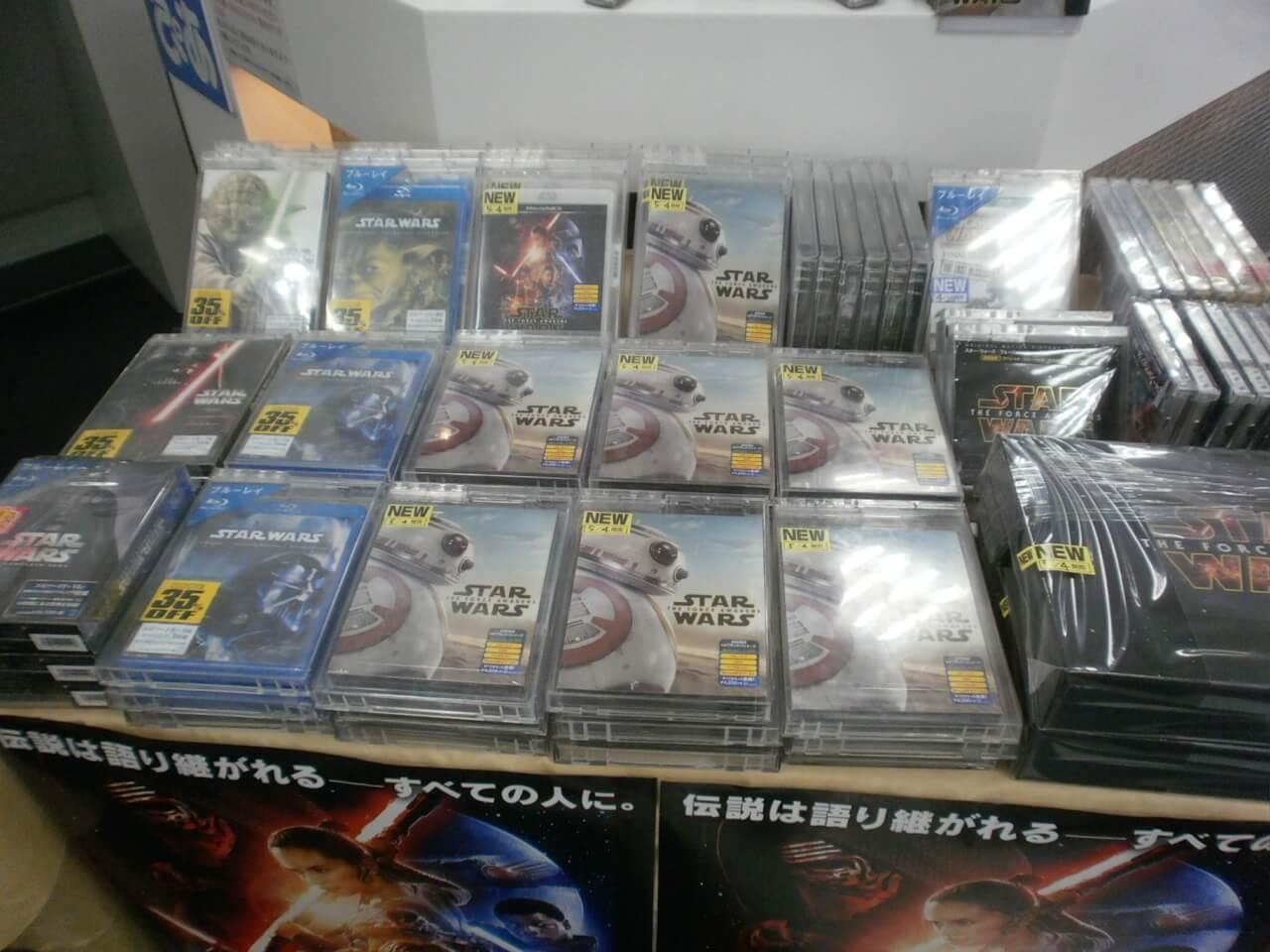 スター・ウォーズ フォースの覚醒 本日から販売解禁!!
